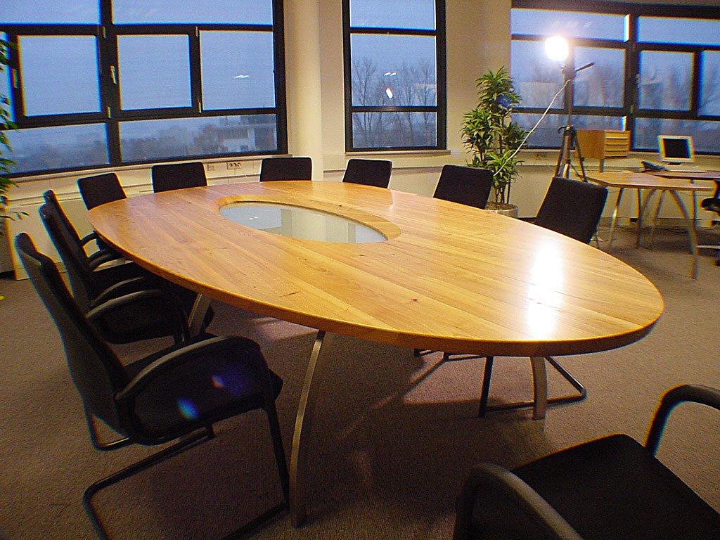"""Ovale Vergadertafel voor 12 personen """"cordoba"""""""