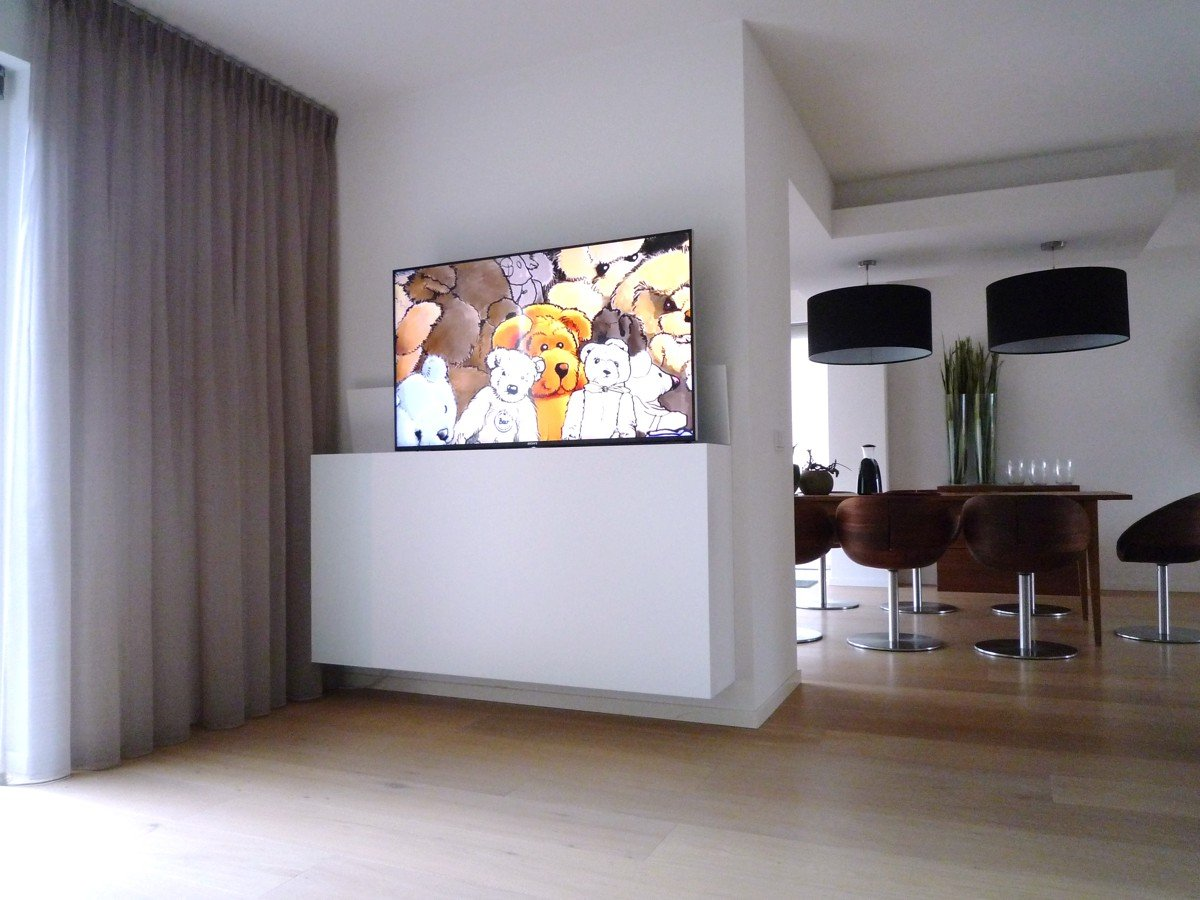 Interier ontwerp voor boekenkast en tv-kast met lift