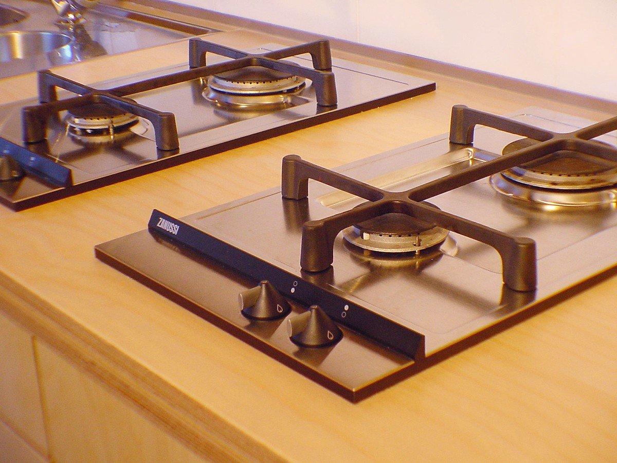 keuken op maat in berken, kersen en laminaat