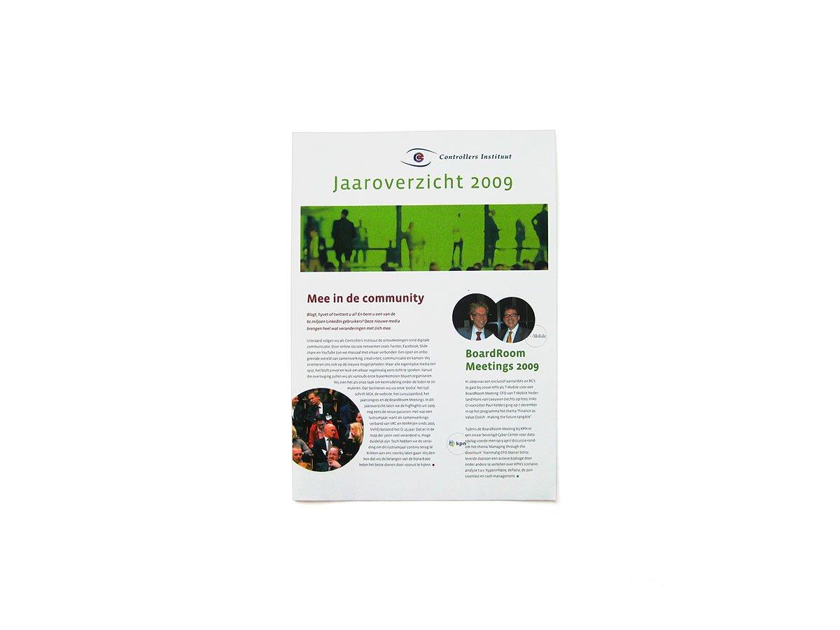 Jaaroverzicht Controllers instituut in de vorm van een A4-drieklapper-folder